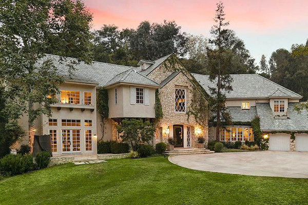 Reese Witherspoon bought a lovely house in Brentwood for $16M
